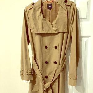 NWOT GAP khaki belted trench coat medium